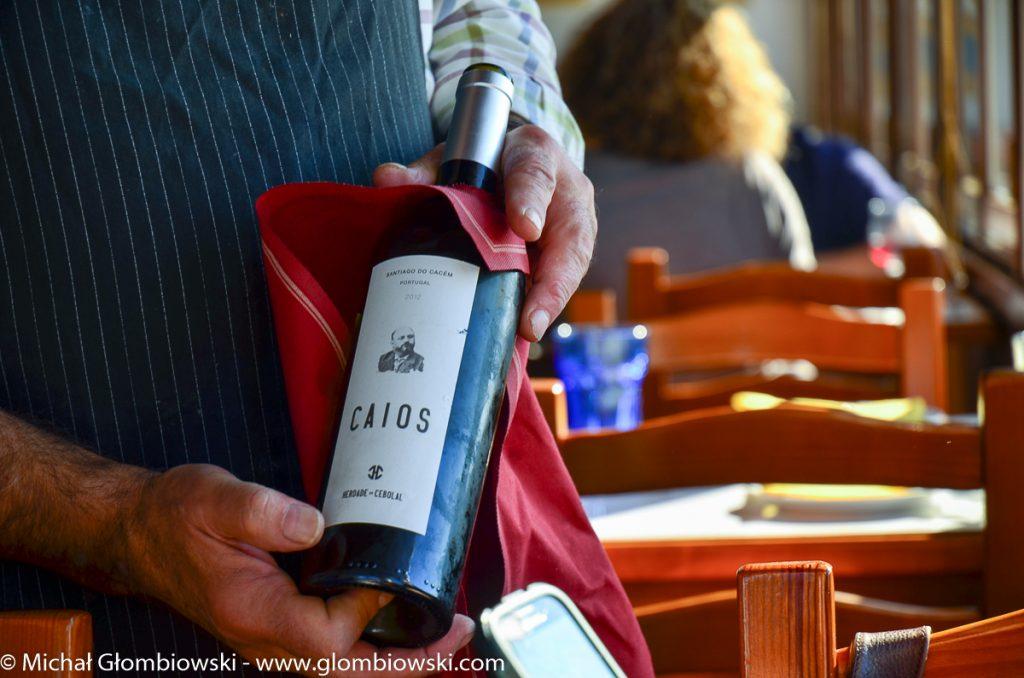Caios, niepozorna butelka, która potrafi dać mnóstwo radości