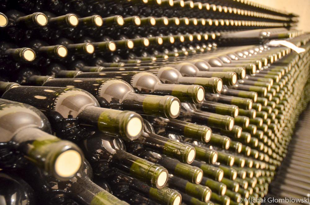 Większość wina produkowanego na Krecie powstaje ze szczepów winorośli znanych już starożytnym